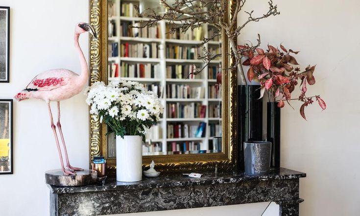 Мраморный камин Lounge Библиотека Книги Flamant Rose натурализоваться Apartment Paris Augustin Trapenard