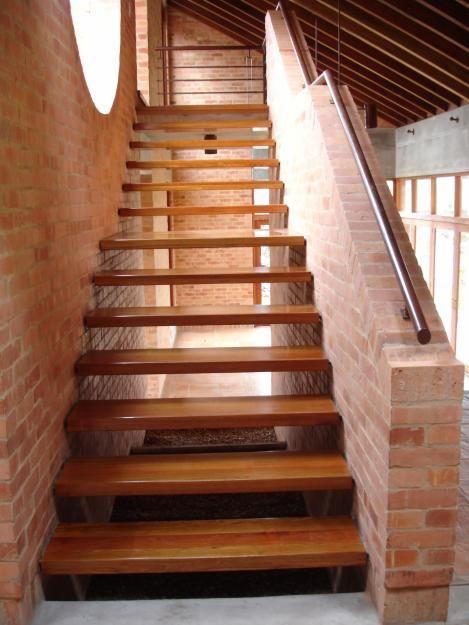 108 mejores im genes sobre escaleras en pinterest for Escalera madera adorno