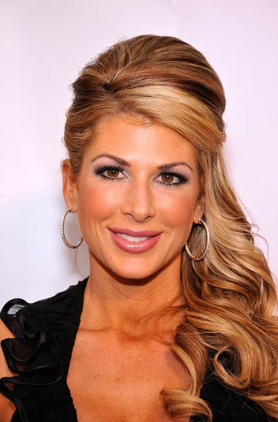 alexis bellino hair color