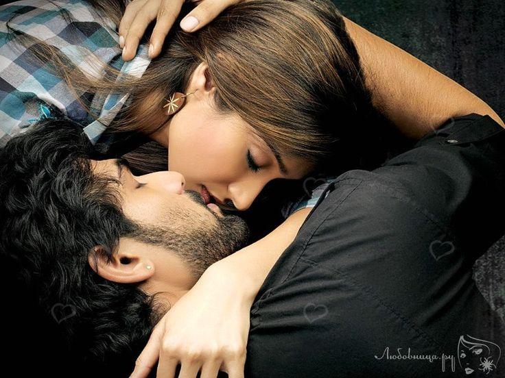 Не все люди умеют целоваться, а поцелуй с языком доставляет наслаждение только когда он делается правильно. http://ogate.ru/kak-tselovatsya/317-potseluj-s-yazykom.html