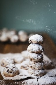 At the moment I am using this image as inspiration for cookies with raisins, pieces of chocolate or crushed gingerbread cookies..