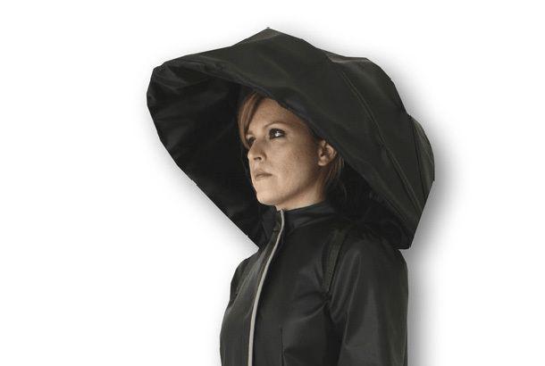 傘とレインコートが一体化した完全無欠の雨具の紹介。