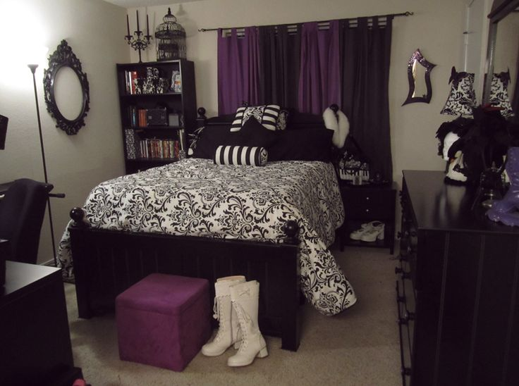 A gothic lolita 39 s bedroom by corfina for Purple gothic bedroom