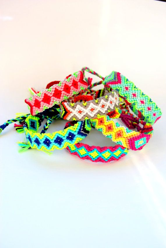 Bright Neon Handwoven Friendship Bracelet Aztec . por sobohemians, $11.90