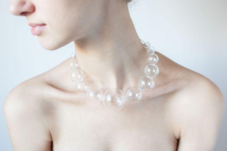 Ожерелье из стеклянных шаров