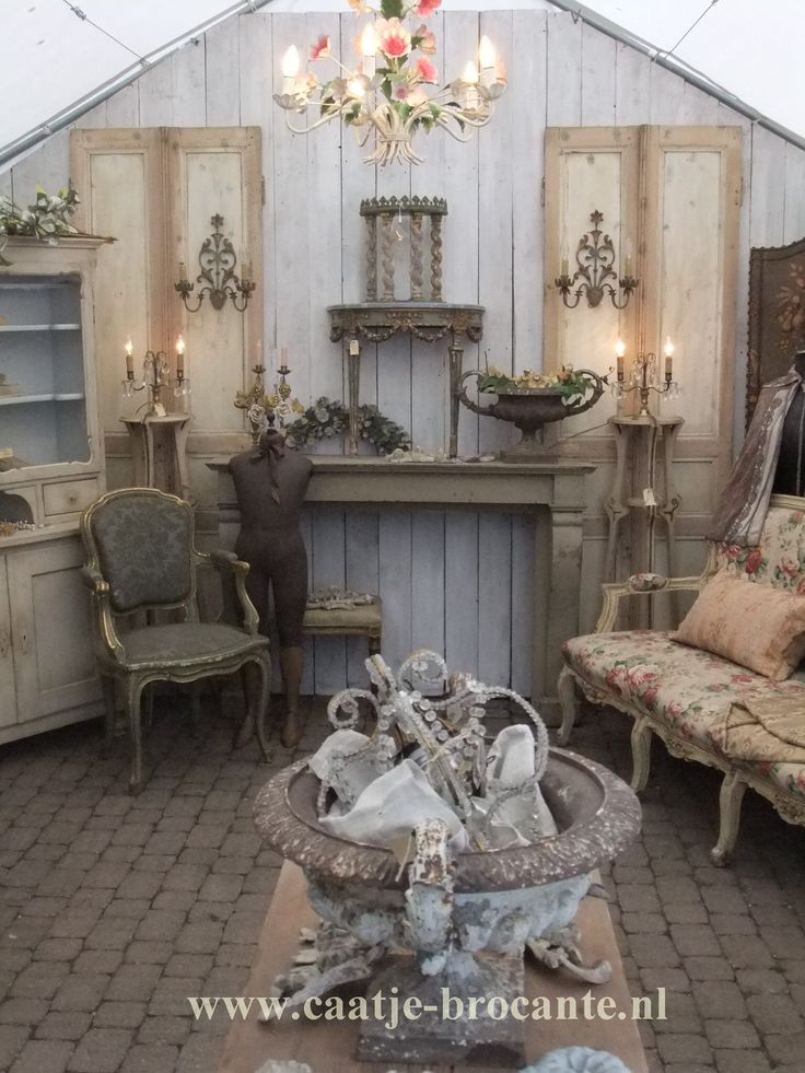 32 best caatje brocante images on pinterest decorations shabby chic style and vintage shabby chic. Black Bedroom Furniture Sets. Home Design Ideas