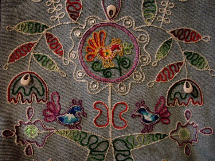 Вышивка ручная-тамбур.Мотив этнографический - Каргополь, конец 19 века.
