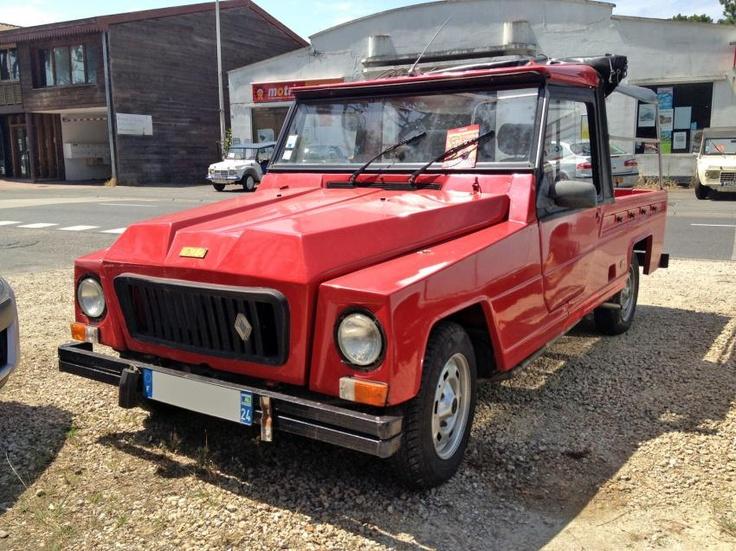 Pour ce jeudi, pour ne pas faire comme tout le monde au Cap-Ferret et rouler en Méhari, une Renault Rodéo !