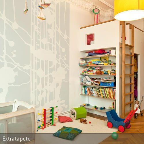 Die Wandgestaltung im Kinderzimmer sollte lebhaft sein und