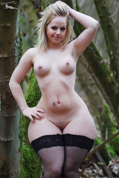 Nude Women With Big Hips
