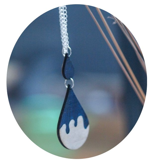 Somewhere — Melting Drops necklace