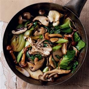 dinner tonight?  I'm thinking yes! Oriental Mushroom  Bok Choy Stir-fry