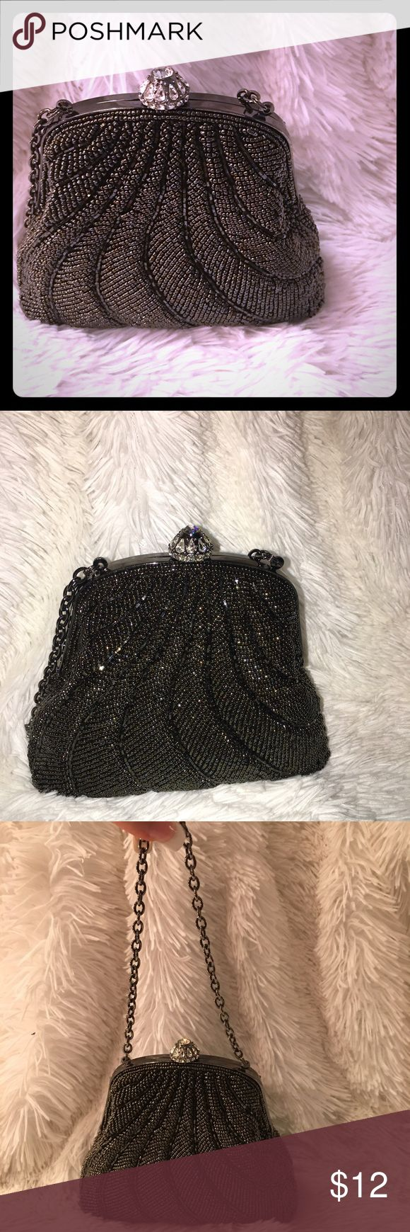 Gorgeous beaded handbag Petite beaded handbag perfect accessory with any dress for a night out, a wedding or a cocktail party!! Like new! Bags Mini Bags