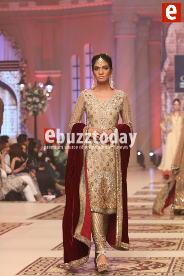 Asifa-nabeel-telenor-bridal-couture-week-2014-ebuzztoday-491.jpg (1000×1500)