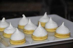 Das perfekte Weihnachtsplätzchen - Non Plus Ultra-Rezept mit einfacher Schritt-für-Schritt-Anleitung: Aus Mehl, Butter, Zucker, Vanillinzucker, Eidotter…