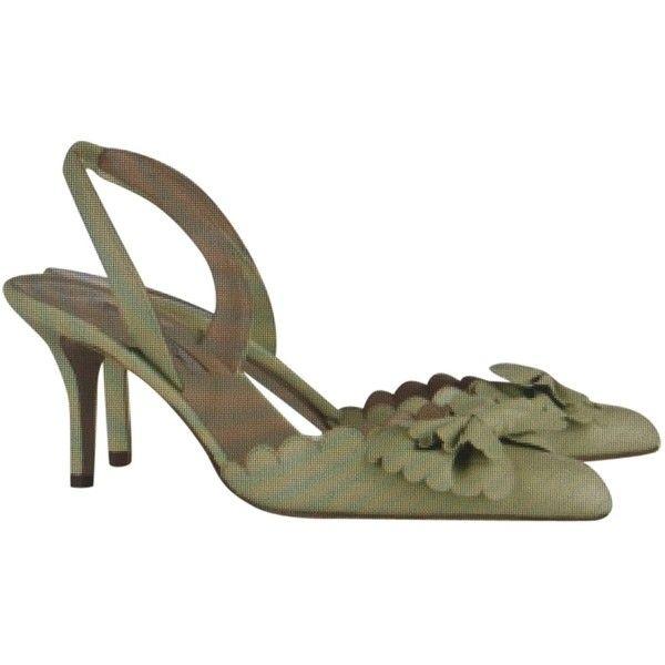 Pre-owned Oscar De La Renta Mint Pumps ($309) ❤ liked on Polyvore featuring shoes, pumps, mint, embellished pumps, mint shoes, leather pointed toe pumps, pointy-toe pumps and slingback pumps