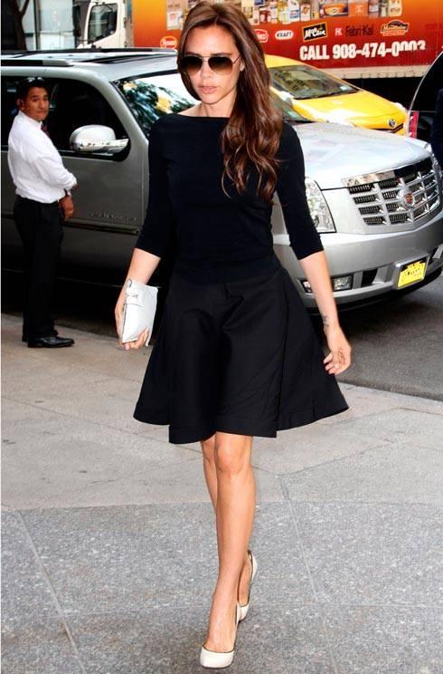 black skater skirt | Flounce Skirts - br.pinterest.com