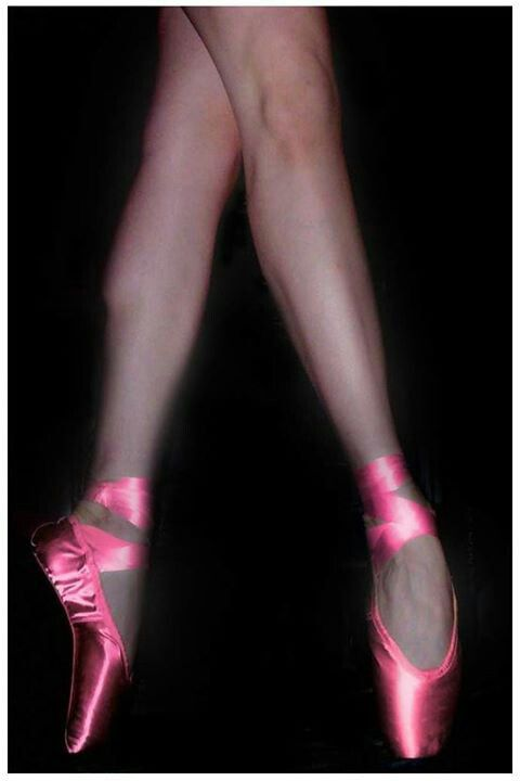 Pink pointe shoes!!! Bebe'!!! Lovely ballerina's feet in ...