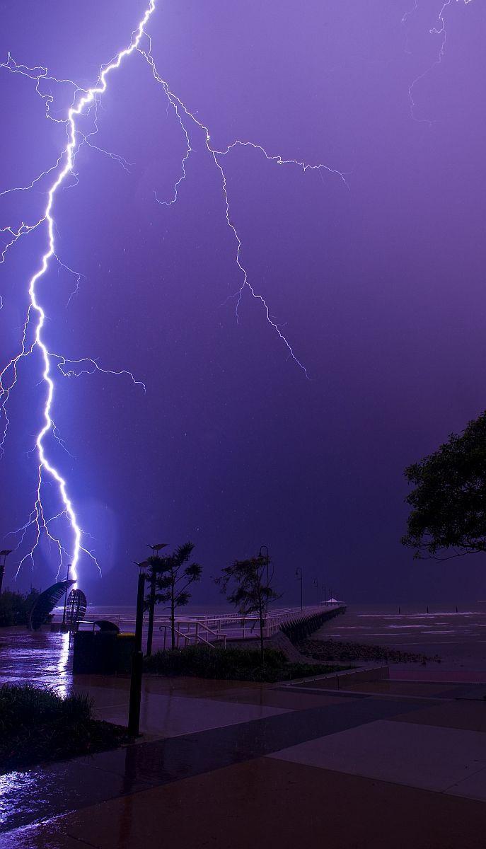 Shorncliffe pier, Sandgate, Brisbane, storms, lightning, storm chasing, electrical storm