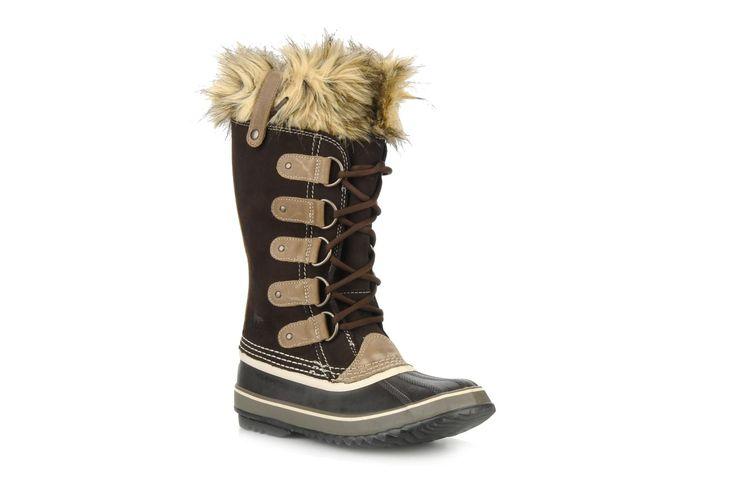 ¡Cómpralo ya!. Joan of artic by Sorel. ¡Envío GRATIS en 48hr! Zapatillas de deporte Sorel (Mujer), disponible en 38 Botas Sorel Joan Of Artic para mujer, en nobuk y piel sintética, con punta redonda, cordones (5 pasantes) y suela de caucho. Plantillas extraíbles. La anchura del zapato para un número de pie 38 es de 11 cm. ¿Quién ha dicho que las condiciones climáticas extremas marcan lo que tenemos que ponernos? Con las botas con ribete forrado Joan Of Artic de Sorel, ¡disfruta vis...