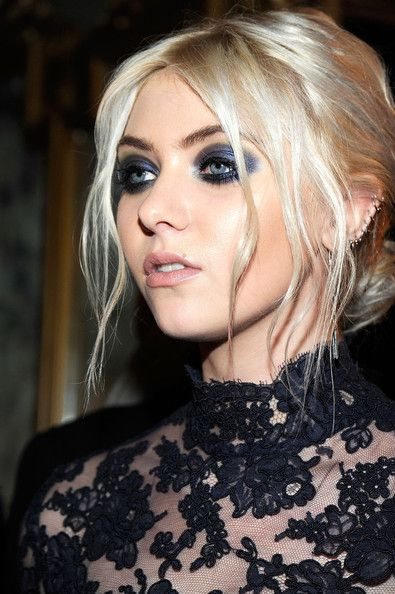 Taylor Momsen Pictures - Marchesa - Front Row - Fall 2012 Mercedes-Benz Fashion Week - Zimbio