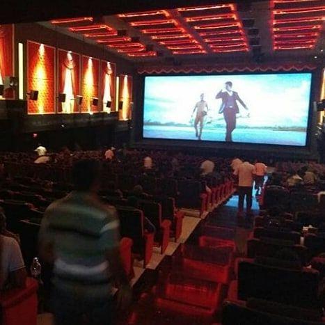 Seemaraja teaser in theaters Sivakrthikeyan #soori Samantha at seemaraja audiolaunch #sivakarthikeyan anna  #motivationalquotes #videoedits  Love u anna #withlove  #tamil #mankarathey #kaakisattai #pressmeet #velaikaran #remo #seemaraja #vijaytv #anchor #artist #hero #tamilactor #vijay #vijaysethupathi  #keerthisuresh #sridivya #samantha #hansikamotwani #nayanthara #thala #sk #skproduction  With love #skdheena #deathwalkcreations  @sivakarthikeyan  @sivakarthikeyan_blood_ @sivakarthikeyan_fanz_club  @sivakarthikeyan_fanz_club_ @shivakarthikeyan_fanpage  @sivakarthikeyan._.sk  @sivakarthikeyan_offi