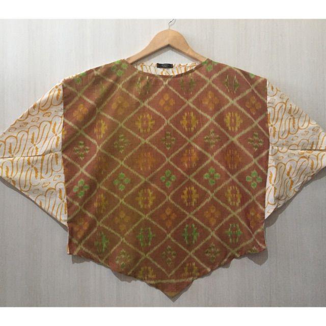 Saya menjual Blouse/atasan tenun ikat Mix batik seharga Rp145.000. Dapatkan produk ini hanya di Shopee! https://shopee.co.id/imanggoethnic/564944493 #ShopeeID