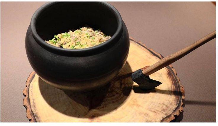«Каша из топора» - зелёная гречка с белыми грибами и томлёными говяжьими щёчками @kokoko_spb Топорик из сливочного масла