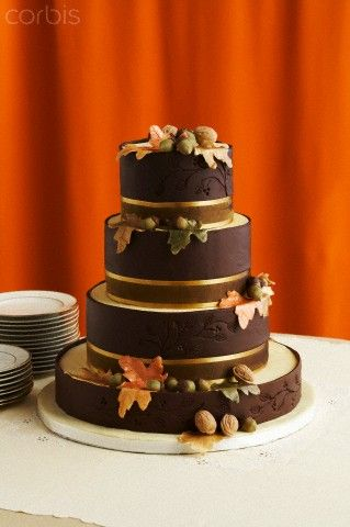 Brown Chocolate Wedding Cake Decorated with Fall Flowers and Nuts, Numer utworu: 42-27302357, Fotochannels