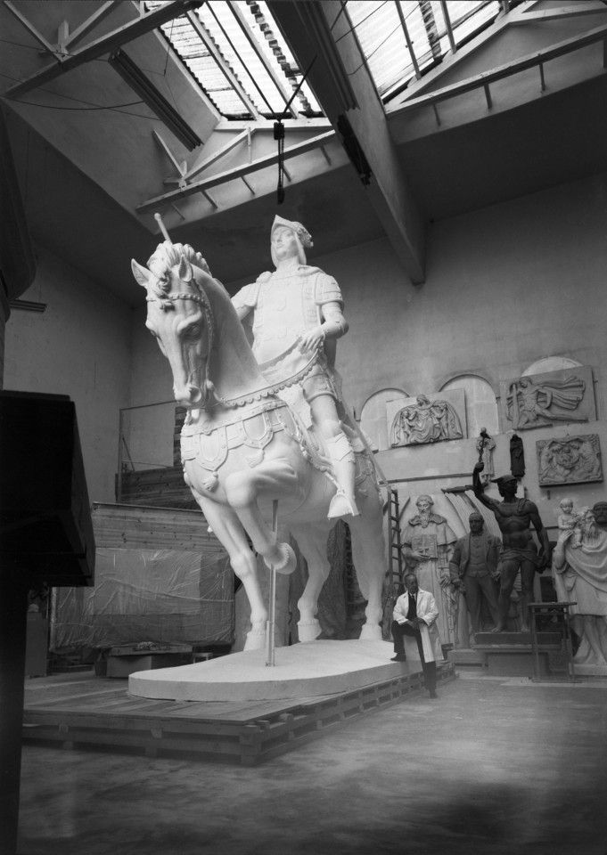 Estátua equestre de D. João I, para a praça da
