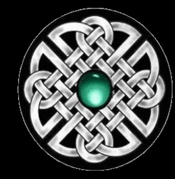 El nudo perenne simboliza el AMOR. Un símbolo de eternidad irrompible. Este es el amuleto celta del amor: El nudo que nunca se deshace, la unión eterna. Simboliza la comunión de las almas de los enamorados más allá del tiempo y del espacio. Es intercambiado por los amantes en señal de su amor, con el deseo de que su relación sobreviva a todos los avatares y dure para siempre.  La tradición dice que el nudo perenne evita que el amor sufra los desgastes del tiempo. Representa el complemento…