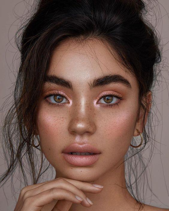 Make-ups, mit denen Ihr Look mehr glänzt als der Weihnachtsbaum