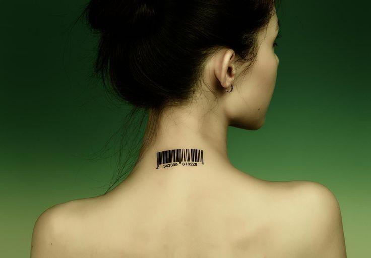 Un accessoire smartphone pour le «tatouage au cou» de Google Motorola   – The Cafe {By Invitation Only}