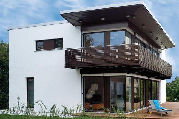Fertighaus bauen mit Holzbauwelt.de. Modernes Fertighaus im Bauhausstil von Regnauer Hausbau. Haustyp Mehrfamilienhaus, Einfamilienhaus. Bauweise Holzrahmenbau. KfW-Effizienzhaus 55 (KfW 55). Energiestandard Passivhaus, Effizienzhaus.