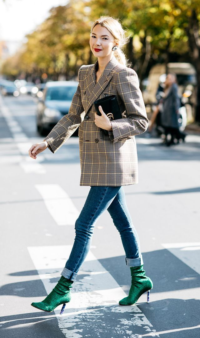 2017 street style trend: checked blazer On the edge, simple, not boring, thought-provoking, aesthetic, so love it.