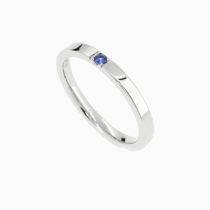 Caress-Ring with Blue Sapphire in Palladium