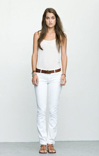 whiteSummer Fashion, Denim Style, White Denim, Fashion Ideas, Mad Obsession, Fashion Inspiration, White Jeans, Colors Belts, Personalized Stylists