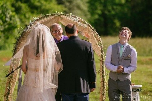 18 men who first saw their brides and cannot believe their luck