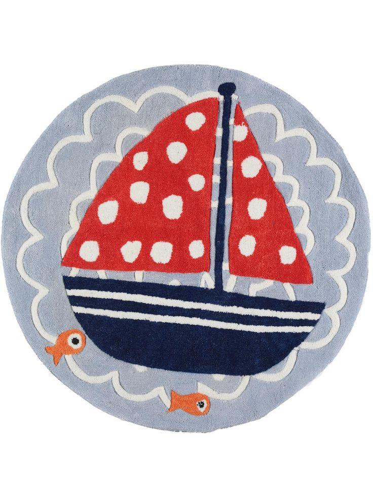 Der Kinderteppich Ship Blau ist das perfekte Accessoire für maritime Kinderzimmer