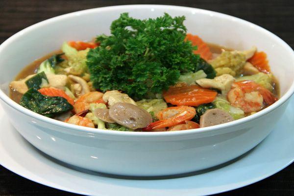Masakan Capcay paling sehat diantara jenis sayuran lainnya dan juga paling lengkap nilai gizinya. Resep capcay sederhana dan praktis. Bahan sayuran yang biasanya untuk resep masakan capcay, seperti : bunga kol, jamur merang, kapri, tomat, sawi putih, sawi hijau, jamur kuping, wortel, jagung muda, kol, buncis, brokoli, daun bawang, dan bawang bombay serta bahan pelengkap lainnya yaitu : daging ayam, daging sapi, bakso sapi, bakso ikan, bakso ayam, telur, hati dan ampela ayam, udang…