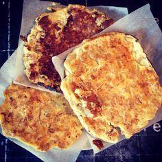 Petite galette super bonne pour le petit déjeuner.. Histoire de varier un peu les petits dej quoi!!! 1 personne / 6ppts ou 0 en JSC Ingrédients 100g de fromage blanc 0% 30g de flocons d'avoine Édulcorant 1 oeuf 1 banane Préparation Mélanger le fromage...
