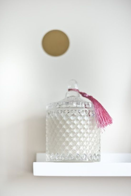 Great gift for a new mum, Illumina Lidded Crystal Soy Candle - Lavender and Rosemary, blended specifically for the needs of a new mum, to help with sleep and ease stress.