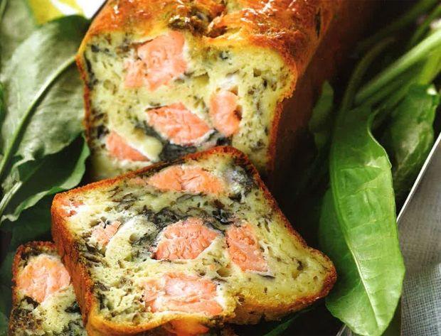 Cake au saumon et à l'oseille Voir la recette du Cake au saumon et à l'oseille Cette recette est extraite du livre Les cakes de Sophie, Editions de la Martinière