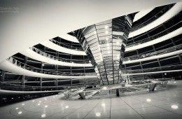 Architekturfotografie: Berlin – Reichstagskuppel / Schwarz-Weiss