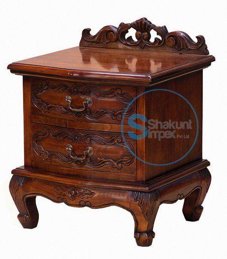 Hand carved bedside table @shakuntimpex #shakuntimpex #bedroomfurniture #handcarvedfurniture