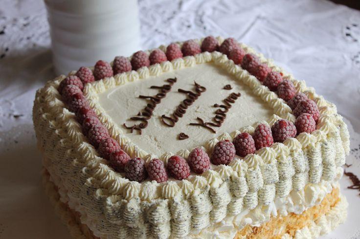 Torta casera Triple Mixta, Hoja-bizcocho amapola y merengue para 20 Porc. con crema pastelera casera, mermelada casera y crema reducida en grasas s/lactosa