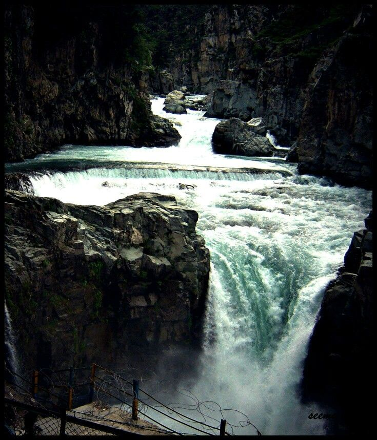 Aharball is a hill station 75 kms south of kashmir and is part of distt Shopian. The main attraction is Aharball waterfalls which are also called Niagra waterfalls of Kashmir.