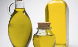 """HowStuffWorks """"5 Ways Olive Oil Helps Your Skin"""""""