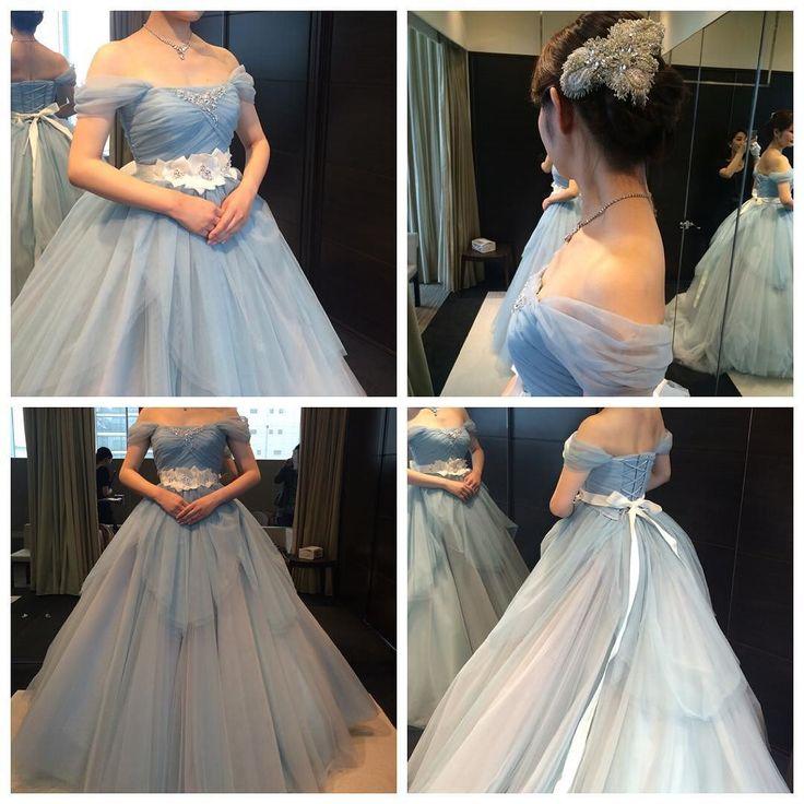 CD試着記録19  #ラビアンローゼ こちらも#ウェディングドレス に引き続き#小脇美里 さんデザインの#カラードレス #シンデレラ みたいで可愛かった#チュール ふわふわでも私には切り替えの位置が高すぎだしボリュームもすごすぎたかなけどとにかく色が理想的なスモーキーブルーでした#オフショル なお袖も可愛すぎ  #結婚式準備#プレ花嫁#ドレス#お色直し#チュールドレス#ブルードレス#heureuxdemisatokowaki by mai_wedding