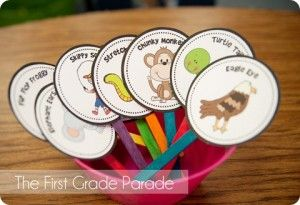 Reading strategies for kindergarten from http://www.bakeplaysmile.com/chunky-monkey-stretchy-snake-and-more-fun-animals-to-help-kids-with-reading/